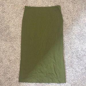 Olive skip midi skirt size small